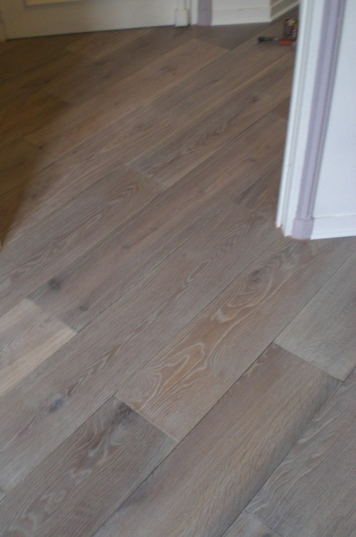 ch�ne MASSIF AUTHENTIQUE huil� GRIS thermo-trait� 180x20 - Prix-parquet.com