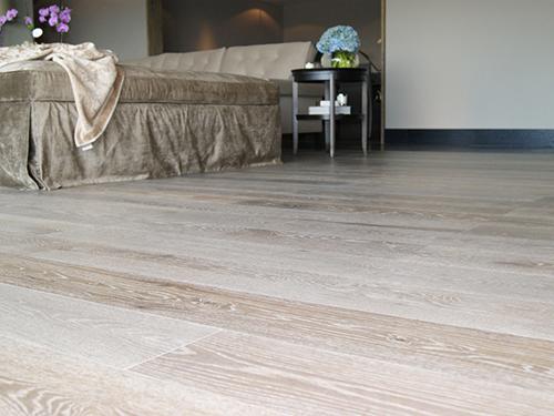Parquet flottant chêne verni - Chêne multiply rustique verni cerusé white 6mm de bois noble +