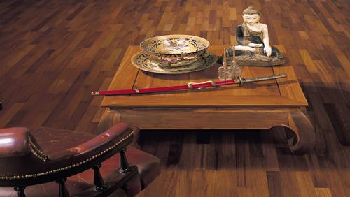 Parquet pour votre chambre ou séjour en bois, massif, contrecollé flottant ou stratifié en Merbau - Contrecolle merbau parquet a l'anglaise-favorit- serie 4000-permadur-5g - certifié pefc 70%