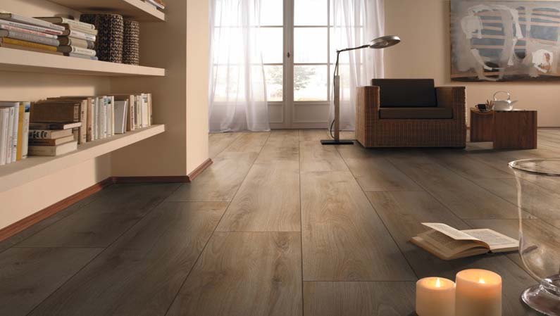 CHENE STRATIFIE NATUREL ETE - SUPERIOR STANDARD PLUS - 1380mmX193mmX7mm - Certifié PEFC 70%