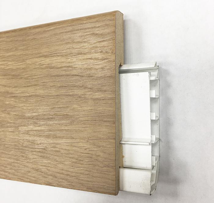 Plinthe de haute qualite - Plinthe electrique dinachoc avec goulotte placage chêne brut