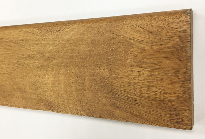 Plinthe de haute qualite - Plinthe coumaru blond massif verni 95x15mm