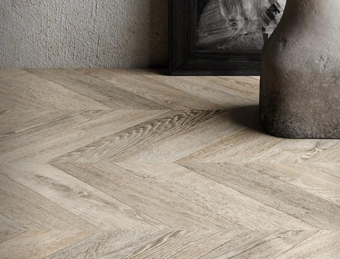 Sol stratifie decor bois large - Point de hongrie aspect chêne gris vieilli ac6 passage tres intensif - certifié pefc 100%