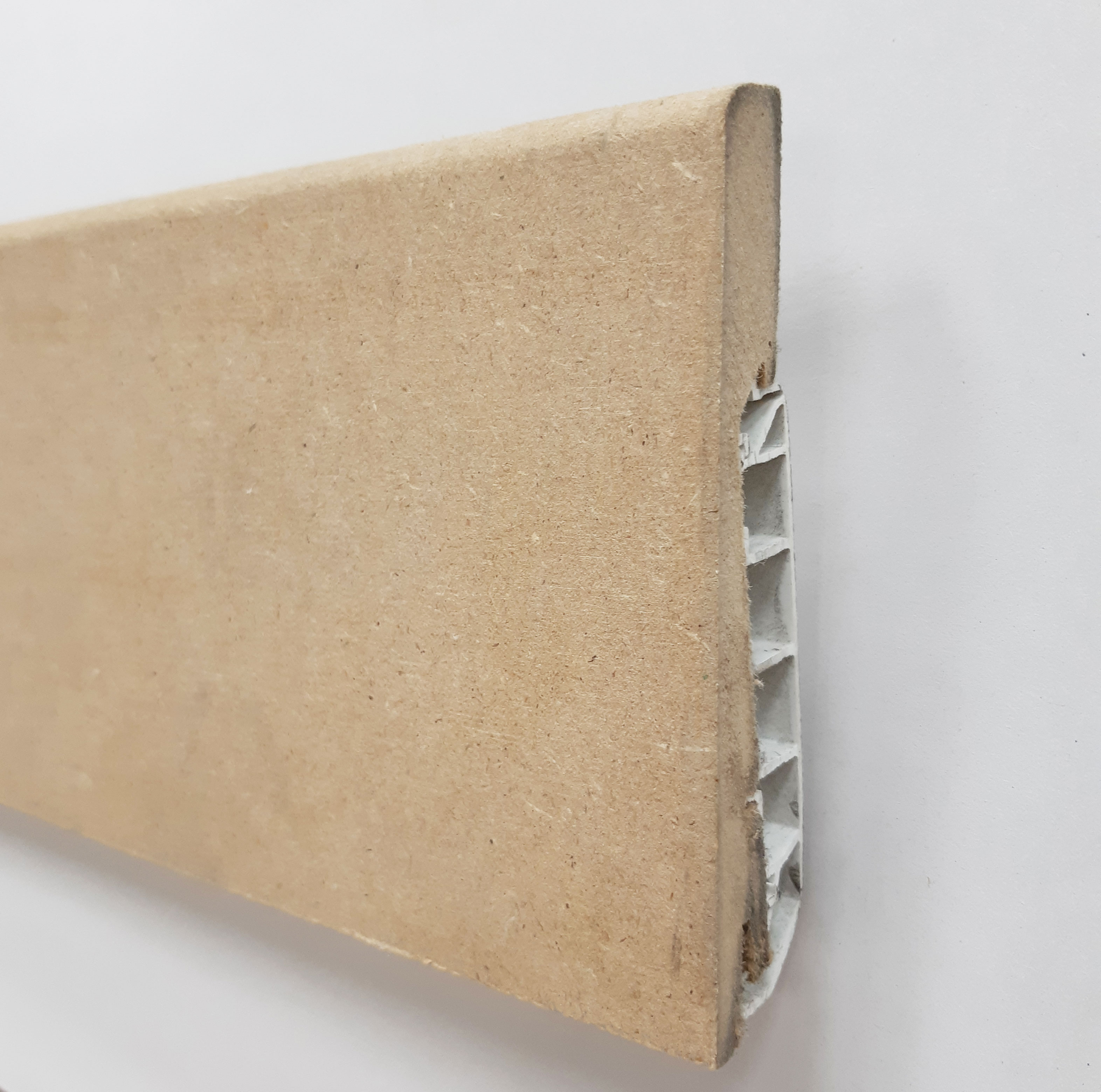 Plinthe de haute qualite - Plinthe electrique dinachoc avec goulotte mdf brut