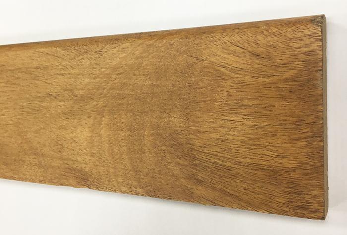 Plinthe de haute qualite - Plinthe coumaru blond massif verni 95x15 lv