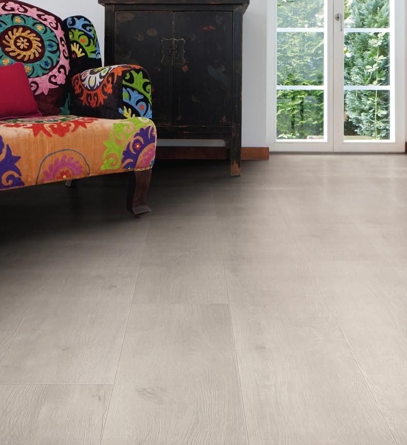 Parquet sols stratifiès Chêne bergamo authentic soft gris argent campus haro tritty 100 HARO538748 Parquet sols stratifiès