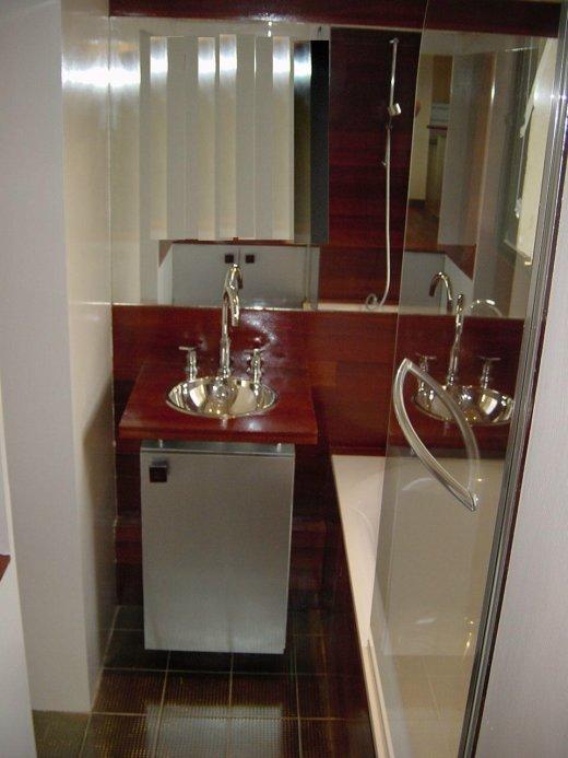 Parquet spécifique salle de bain Massaumba vernis - parquet-huile.com